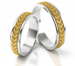 Pair of gold  wedding rings model 061