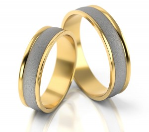 Pair of gold  wedding rings model 029