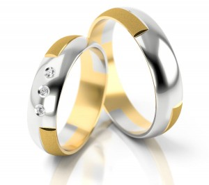 Pair of gold  wedding rings model 072