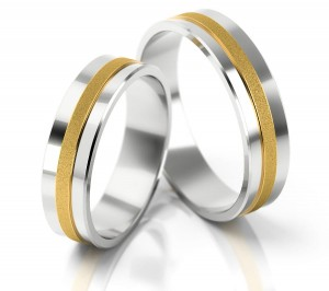Pair of gold  wedding rings model 057